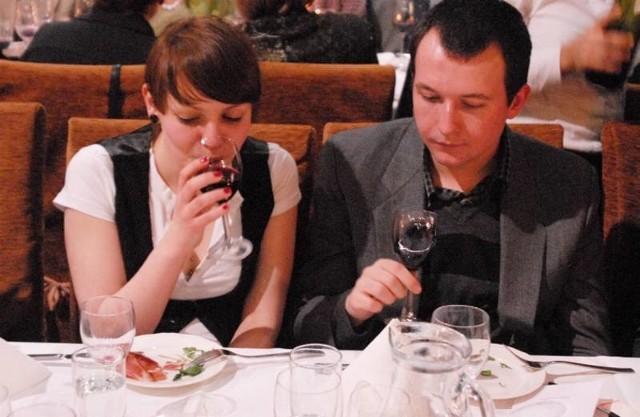 Aleksandra Czubkowska i Maciej Kowalewski próbują zielonogórskie wina