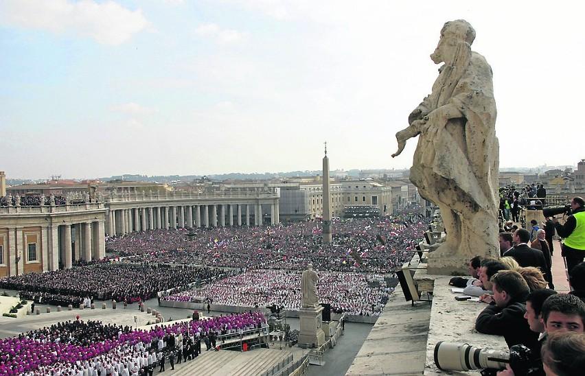 Jan Paweł II zaczął się źle czuć już na początku lutego...