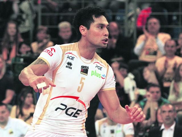 Siatkarz PGE Skry Samuel Tuia w sezonie 2010/2011 reprezentował barwy AZS Olsztyn
