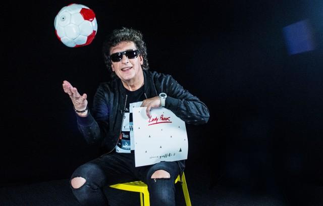Panasewicz jako nastolatek uwielbiał grać w piłkę nożną. Dziś namiętnie ogląda mecze, nie tylko w telewizji. Podobnie jak inne dyscypliny. Przez lata muzycznej kariery poznał mnóstwo sportowców, głównie piłkarzy.