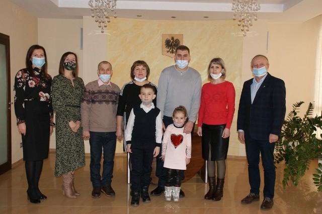 Repatrianci z Kazachstanu zamieszkali w dawnym przedszkolu w Rudnikach.
