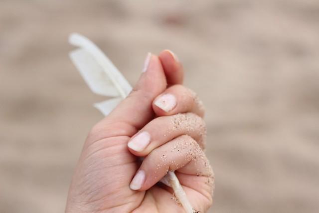 Modne paznokcie 2021. Aurora Nails, czyli paznokcie, które przypominają zorzę to jeden z najmodniejszych trendów manicure 2021. Aurora Nails - paznokcie mieniące się niczym zorza polarna to efekt zniewalający, magiczny, wręcz hipnotyzujący! Manicure Aurora Nails zachwyca. Efekt zorzy polarnej na dłoniach to jeden z najpiękniejszych i najmodniejszych trendów tego sezonu. Jak wyglądają Aurora Nails - paznokcie inspirowane zorzą polarną? Ten trend podbija serca kobiet. Szukasz pomysłu na modne paznokcie? W naszej galerii znajdziesz inspirację na najmodniejszy manicure Aurora Nails. Sprawdź na kolejnych zdjęciach, jak się prezentują Aurora Nails i czy ten typ paznokci do Ciebie pasuje >>>>>