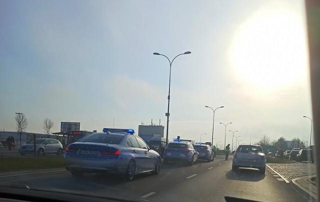 Karambol na obwodówce Białegostoku. Na ul. Andersa zderzyło się pięć samochodów.