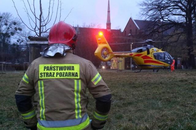 Resuscytację chłopca prowadził lekarz, następnie do pomocy dołączyli strażacy i załoga Lotniczego Pogotowia Ratunkowego. Niestety, nie udało się przywrócić czynności życiowych. Zdjęcie ilustracyjne