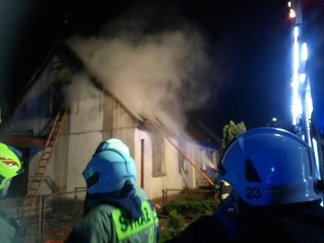 Ochotnicza Straż Pożarna z Grudzic była jedną z ośmiu jednostek, które walczyły z pożarem.