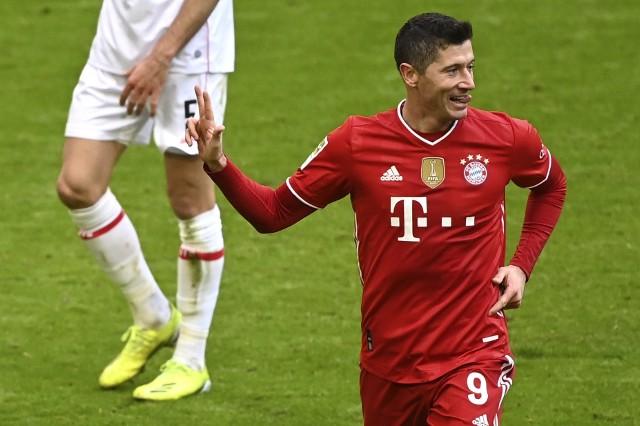 Robert Lewandowski znacznie przybliżył się do rekordu Gerda Mullera, kompletując hat-trick w zaledwie 21 minut.