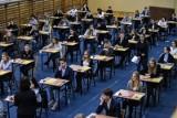 Matura 2018 ARKUSZE CKE I ODPOWIEDZI. Matura egzaminy pisemne - najpopularniejsze przedmioty [arkusze CKE, odpowiedzi, rozwiązania]