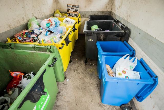 W Przemyślu ceny za wywóz śmieci (na razie) zostają po staremu.
