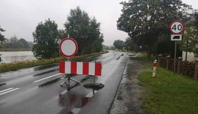 Zamknięta droga wojewódzka 455 między Oławą i Jelczem Laskowice.