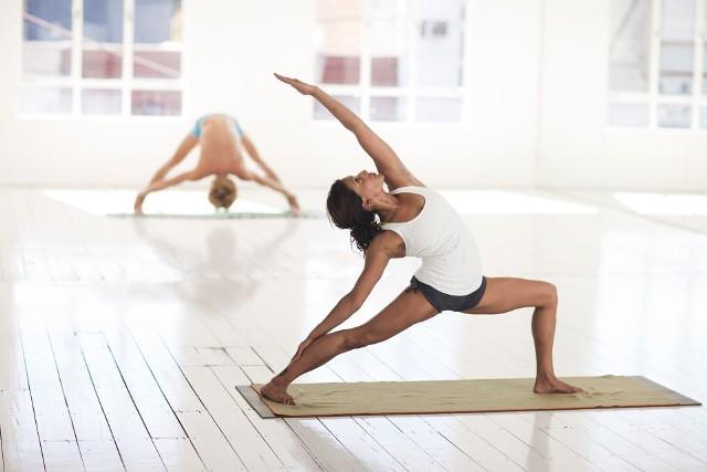"""Lubisz jogę? Chcesz zacząć praktykować? Przyjdź na bezpłatne zajęcia do studia """"Joga, Ruch, Oddech"""" w Białymstoku"""