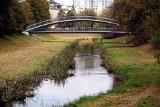 Park Ludowy w Lublinie w jesiennej odsłonie. Usłane kolorowymi liśćmi alejki zachwycają! Zobacz zdjęcia