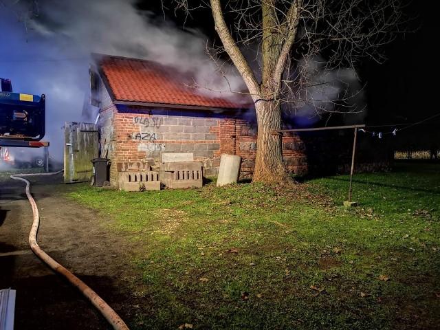 Pożar pod Łowiczem. Straty oszacowano na około 40 tys. zł