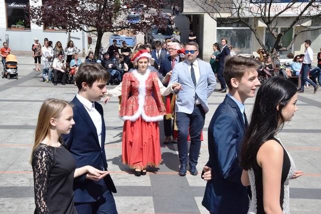 Bielsko-Biała: prezydent zatańczył poloneza z maturzystami