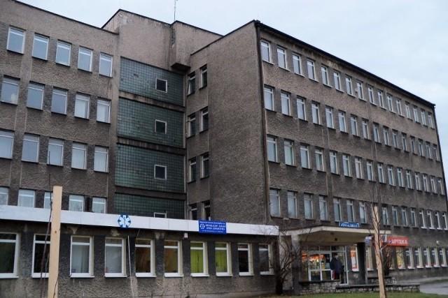 Termomodernizacja budynku byłego SP ZOZ przy Szkolnej w Krapkowicach będzie kosztować 1, 22 mln zł.