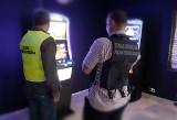 Funkcjonariusze KAS i SG zatrzymali dziewięć nielegalnych automatów do hazardu w Sanoku i Brzozowie [ZDJĘCIA]