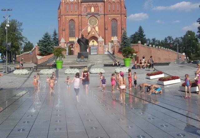 Rybnik nie ma pieniędzy na fontanny. Nie będą działać. Nie ochłodzimy się przy fontannie pod bazyliką