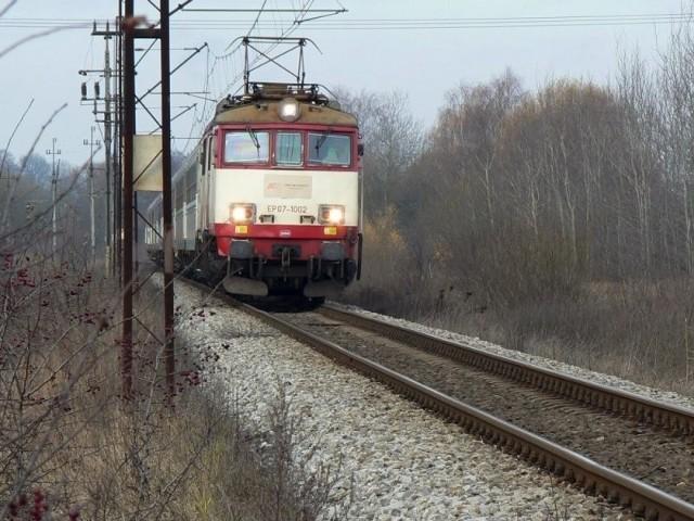 Opóźnienia pociągów mogą zaskoczyć pasażerów.