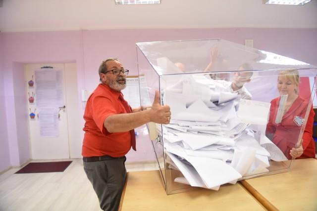 Jeszcze nie wiadomo, kiedy wybory na prezydenta RP odbędą się, ale ma wrócić tradycyjne głosowanie w lokalu wyborczym. Ze środkami ostrożności ze względu na epidemię