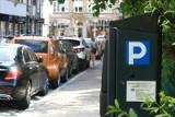 Mieszkańcy Przedmieścia Oławskiego proszą o płatne parkingi i parkomaty