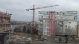Pijany wlazł na dźwig w centrum Szczecina i bał się zejść