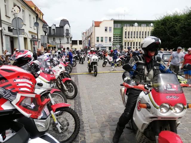 XIX Międzynarodowy Zlot Motocykli Cagiva Elefant był częścią tegorocznych Dni Kluczborka. W paradzie ulicami Kluczborka wzięli też udział właściciele innych motocykli.Cagiva Elefant to turystyczny motocykl typu enduro, który był produkowany w latach 90. i do dzisiaj cieszy się wielką estymą wśród motocyklistów.