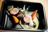 Dieta pudełkowa. Zwolennicy najwyżej cenią możliwość dostosowania cateringu do indywidualnej diety, oszczędność czasu, zdrowie [4.02.2021]