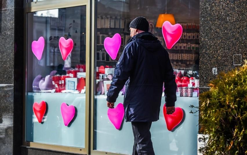 Walentynki 2021. Jak spędzić w dobie koronawirusa - mało czasu, skorzystaj z cudzych pomysłów! [14.02.2021]