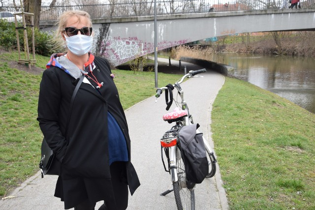 Opole w nowym reżimie epidemicznym. W sobotę (27.03) weszły w życie kolejne ograniczenia. Zobacz, jak mieszkańcy spędzali czas w pierwszym dniu kolejnych obostrzeń.