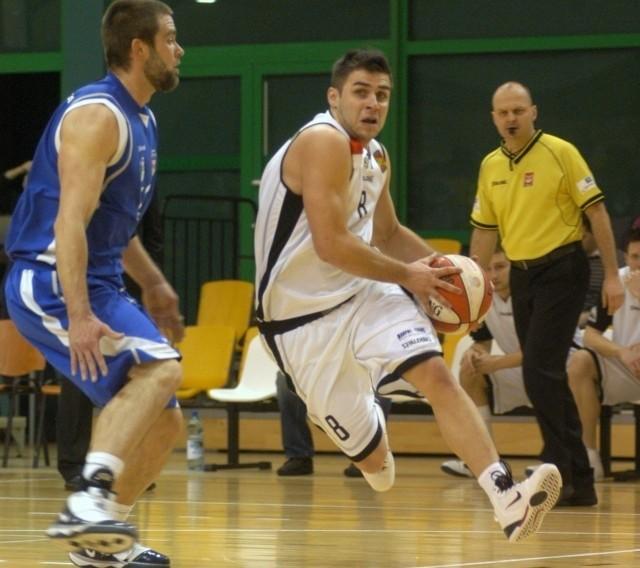Krośnianie wygrywali już 16 punktami, ale zawalili końcówkę meczu. Nz. w akcji Kamil Michalski.