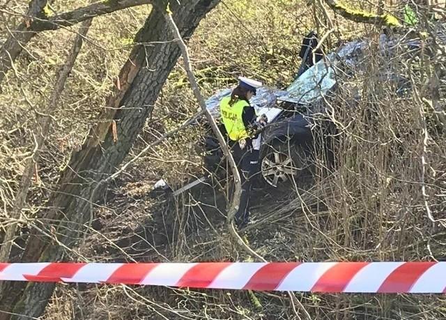 Auto osobowe wpadło do rzeki Drawy w okolicy Starego Osieczna 14 marca. Czwórka młodych ludzi utonęła