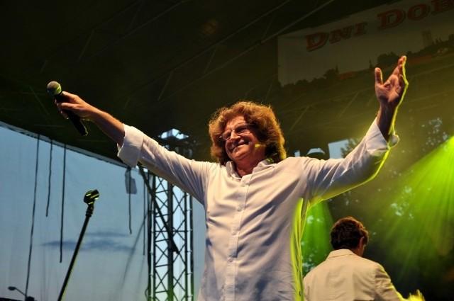 Dni Dobrodzienia 2014Gwiazdą tegorocznych Dni Dobrodzienia był Zbigniew Wodecki, który wykonał swoje najpopularniejsze utwory. Piosenkarzowi towarzyszył zespół Silesian Music Band.