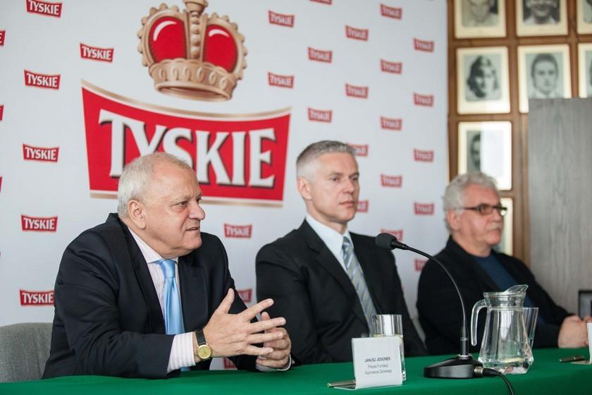 Od lewej Janusz Jesionek, prezes Fundacji im. Kazimierza Górskiego. Od prawej syn legendarnego trenera Dariusz Górski