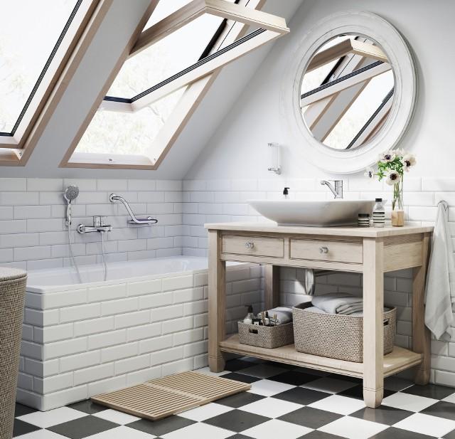 Mała łazienkaW małych łazienkach najlepiej sprawdzą się baterie jednouchwytowe, a szczególnie podtynkowe.