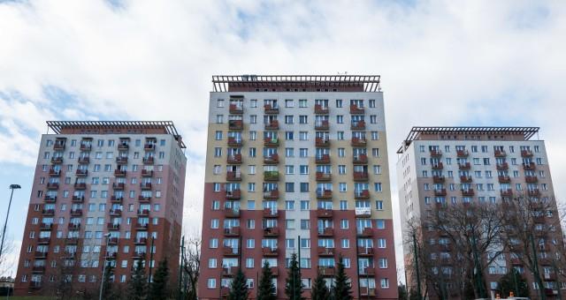 Wielka płyta dalej popularna w Polsce Według szacunków, w Polsce w blokach z wielkiej płyty mieszkać może nawet 10 mln osób, z czego około miliona w samej Warszawie