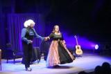 Toruń: Kabaret Hrabi wystąpił w Amfiteatrze Muzeum Etnograficznego. Zobacz, jak było! [zdjęcia]