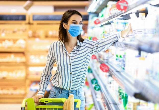 Maseczki to ochrona przed zakażeniem zwłaszcza w przypadku nowych, bardziej groźnych wariantów koronawirusa
