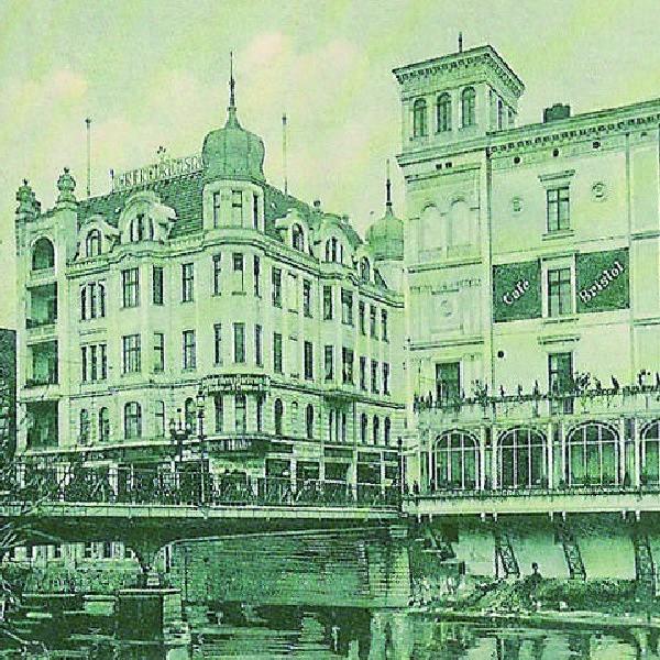 Cafe Bristol zapisała się we wspomnieniach bydgoszczan jako eleganckie miejsce. Czyżby właśnie z niej pochodził mój dzbanuszek?