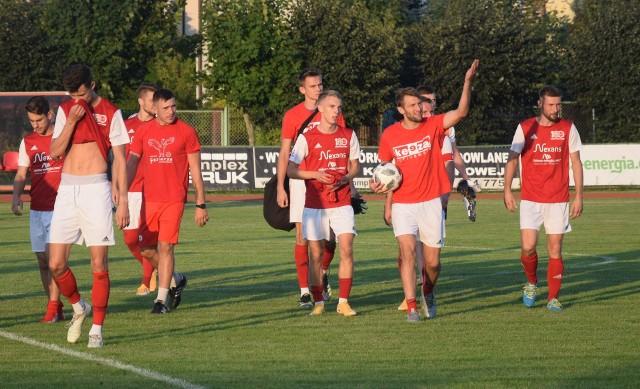 Piłkarze Pilicy zagrają w sobotę z Legionovią w Legionowie.