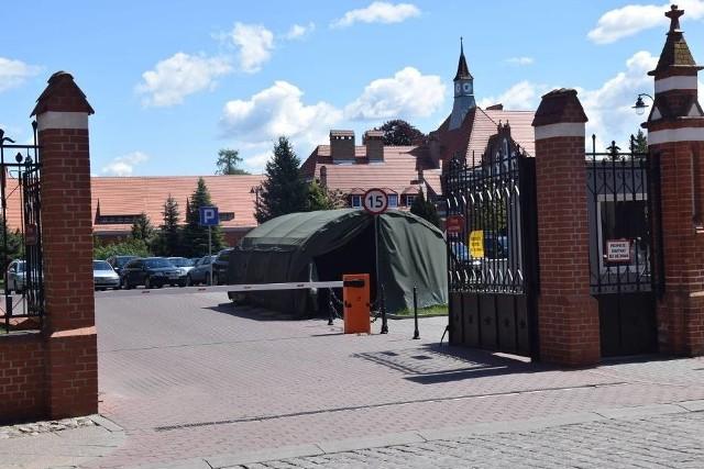 Rośnie liczba zakażonych w jednostce wojskowej w Malborku.