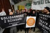 Protesty i gorąca sesja sejmiku w sprawie Teatru Polskiego