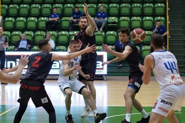 Inowrocławska Noteć pokonała drużynę Polski Sklep MKK Gniezno w meczu o mistrzostwo II ligi