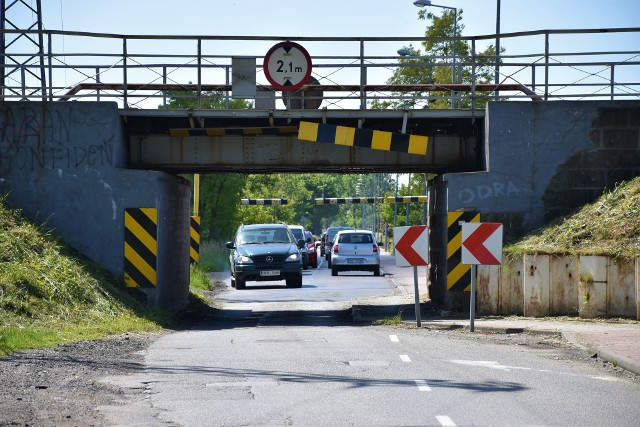 Opole. Wiadukt kolejowy nad ul. Krapkowicką do przebudowy. W trakcie prac droga ta ma być zamknięta