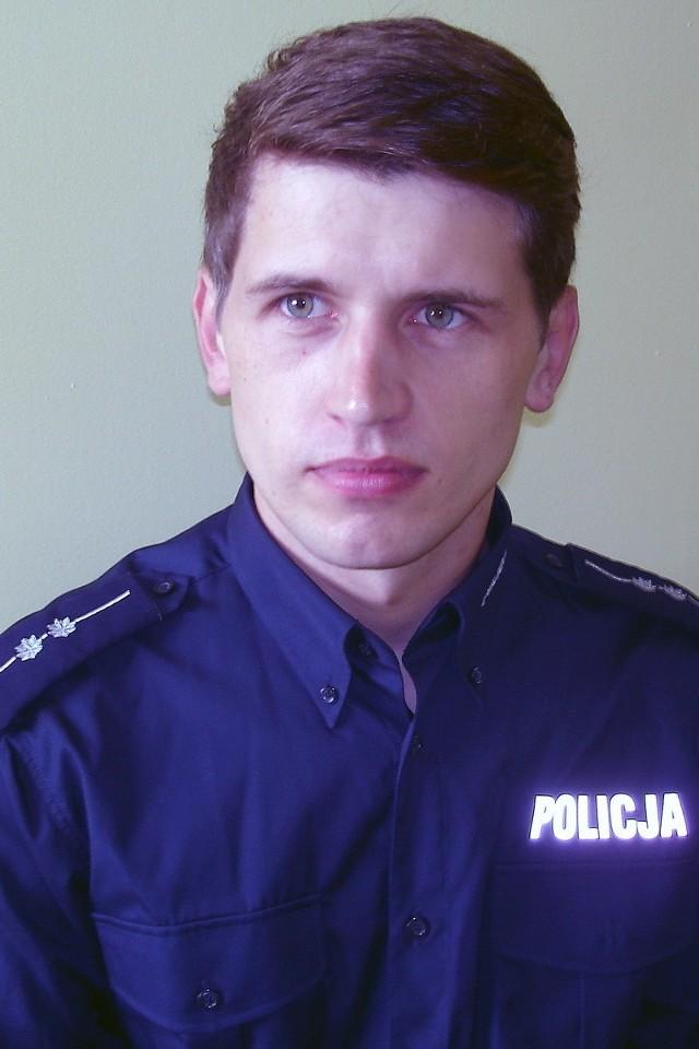 Aby zagłosować na asp. Emila Kosmatkę wyślij SMS o treści POLICJANT.7 na numer 7155 (koszt 1.23 zł z VAT)