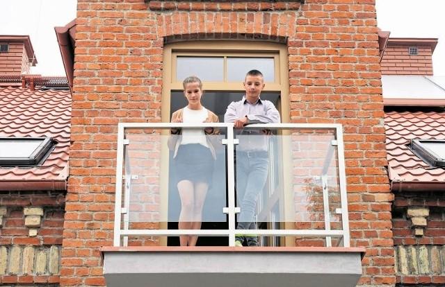 Natalia i Adam oglądali w czwartek swój nowy dom. Dziewczyna przekręciła klucz w drzwiach.