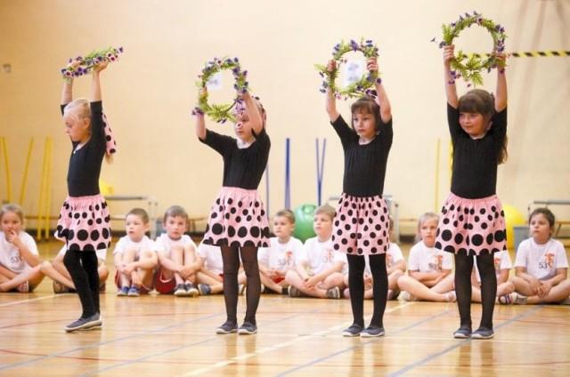 Grupa taneczna Marionetki z przedszkola nr 49