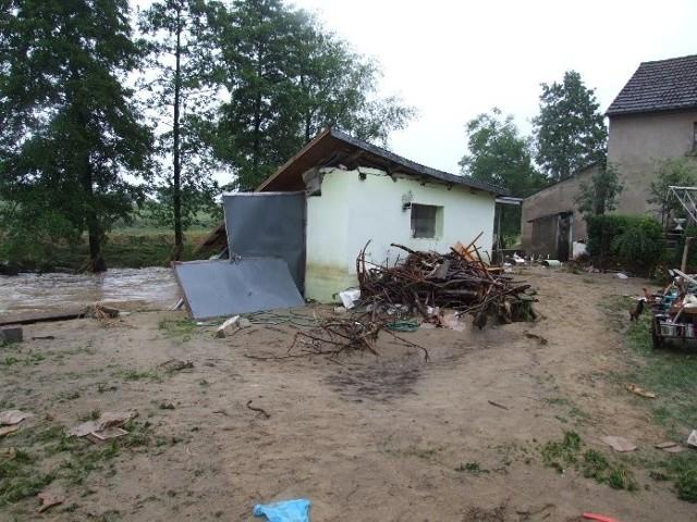 PowódL w Dziewietlicach w gminie Paczków. Zobacz obraz zniszczen.