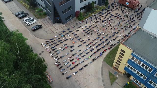 """#GaszynChallenge w wykonaniu setek pracowników Fabryki Kotłów """"Sefako"""" w Sędziszowie"""
