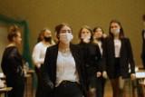 Próbna matura 2021: Dziś pierwszy egzamin w ścisłym reżimie sanitarnym. Harmonogram próbnej matury 2021