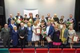 W Toruniu wręczono marszałkowskie nagrody na Dzień Edukacji Narodowej [zdjęcia]
