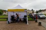 Białystok. Szczepienia przed Pałacem Branickich. Można było otrzymać karnet na New POP Festiwal 2021 (zdjęcia)